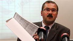 Zveřejnění bývalých špionů nás ohrožuje, tvrdí rozvědka